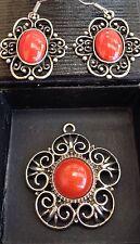 Vintage Hippie Boho Gypsy Red Stone Silver Tone Earrings & Pendant Set