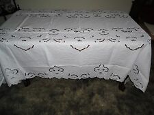 72 x 126 Oval Linen Tablecloth with Cutwork, Embroidery. 12 Napkins