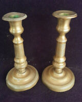 Ancienne paire de Bougeoirs en bronze doré moulé Chandeliers Flambeaux 19ème