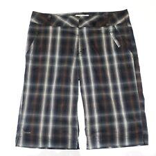 Columbia Titanium Women's Shorts Size 10 Plaid Bermuda Walking Omni Dry