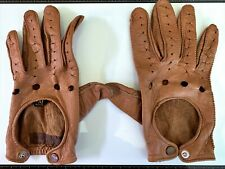 Used Men's brown leather driving gloves size Medium. Made in the Philippines