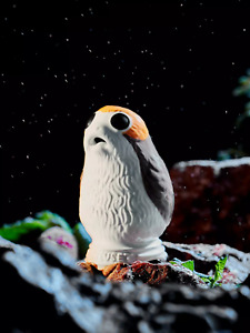 Brand New Boxed Le Creuset Stoneware Star Wars Limited Edition Porg Pie funnel.