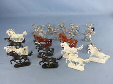 FIGURINES Gros lot de chevaux chevaliers JEAN HÖFLER en plastique W GERMANY