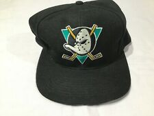 NOS Vintage Anaheim MIGHTY DUCKS Hockey SnapBack Cap Hat BLACK new with tags NHL