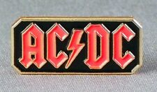 AC-DC - LAPEL PIN BADGE - BAND HARD ROCK ROLL BLUES AXEL ROSE HIGH VOLTAGE (110)