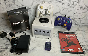 Nintendo GameCube Pearl White Console With 2 Controller 2 Games All Cables
