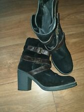 Ladies Size 6 Mantaray Ankle Boots