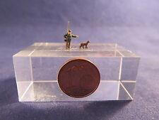 (WW00) hunter with dog figure Scale Gauge Z (1:220)