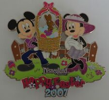 Disney DLR Happy Easter 2007 Mickey and Minnie Jumbo Pin LE