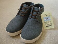 BNWOB TOMS DARK GREY FABRIC LACE UP LOW TOP TRAINER / BOOT SIZE 6 (WITH TAG ON)