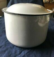 Vintage Enamelware 8 Qt Stock Pot w/Lid White w/ Black Trim 8.25 ' H w/ Lid