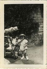PHOTO ANCIENNE - VINTAGE SNAPSHOT-ENFANT LANDAU FLEURS FÊTE MODE-CHILD FLOWERS 1