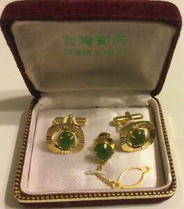 Taiwan Cuff Links and Tie Tack Genuine Jade Cabochon Set In Gold NWOT, Gift Box