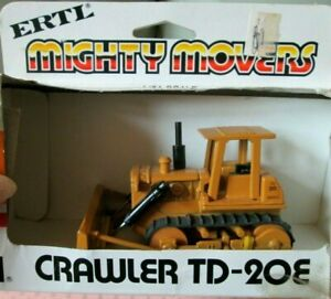 "1970 NIB *ERTL* (MIGHTY MOVERS)~1/64~""CRAWLER TD-20E""~#1851~DIECAST REPLICA~NRFB"
