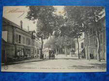 FONTAINEBLEAU  :  Avenue de Chemin de Fer - Entrée de Fontainebleau.