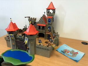Playmobil 3268 Knights Empire Castle - The castle is complete in Good Condition
