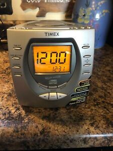 Timex Nature Sounds T611T Clock Radio CD Player  Tested & Works.