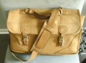 """Gokey (Orvis)  Leather Briefcase:  Shoulder Strap, XL 18x12x5"""", clean and sound"""