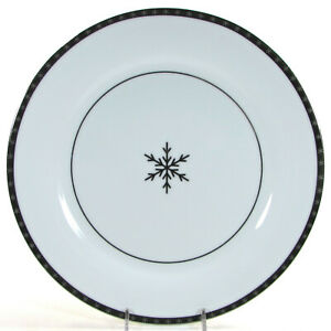 """Target ONYX AND ICE 11"""" Dinner Plate Silver Snowflake White Porcelain Mint"""
