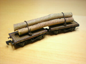 Peco N Gauge LNER 10T Single Bolster Wagons x 2 with added load