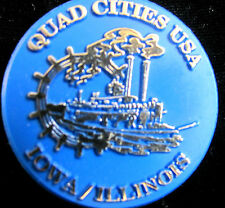Round Plastic  Quad Cities USA Iowa/Illinois Pin With Riverboat