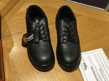 Mens steel toe cap work shoes, size 8