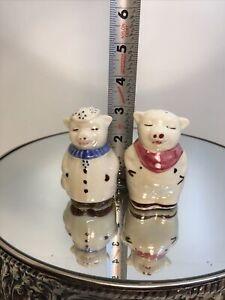 Vintage Shawnee Pottery Smiley & Winnie Pig Salt & Pepper Shakers