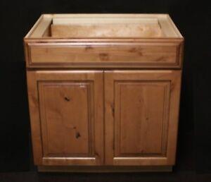 """Kraftmaid Ginger w/Sable Glaze Alder Kitchen Base Cabinet 33"""""""