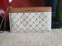 Michael Kors Jet Set Large Top Zip Clutch Leather Wristlet Brown Cream