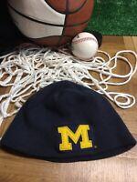 Vtg Starter U of M Michigan Wolverines winter hat beanie cap blue h1