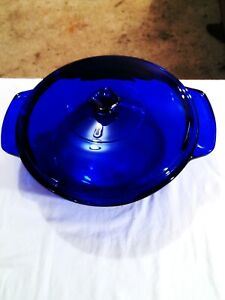 """Anchor Hocking Royal Blue Non Stick Casserole Dish With Lid - 4"""" Depth"""