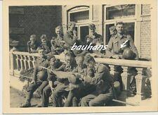 Foto Wehrmacht Soldaten-Rast-Stielhandgranate 2.WK (i216)