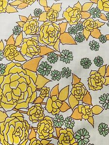 Vintage 1970s Flower Sheet Fabric,  Ideal For Dress Making  , 103 Cm  By 134 Cm