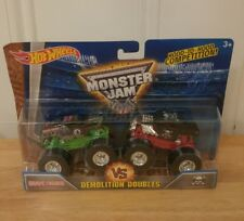 Hot Wheels Monster Jam Demolition Doubles Grave Digger and Boneshaker 2015 NEW