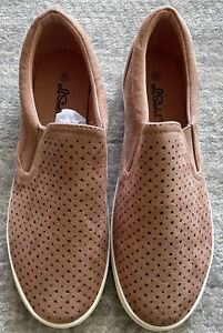 La Sheelah Women's Blush Suede Slip On Sneaker Comfort Shoes, Size 10