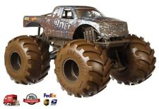 Hot Wheels The 909 Monster Truck, 1:24 Scale with durable die-cast metal bodies!