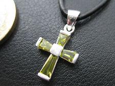 Kreuz mit Zirkonia gelb/grün 925'er Silber Anhänger + Echtlederband  / KA 786