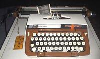 SMITH CORONA CLASSIC 15 MACCHINA DA SCRIVERE DEL 1970 VINTAGE NEW! TYPEWRITER