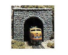 Woodland Scenics C1155 2 x Random Stone Single Track Portals 1:160 / N Gauge