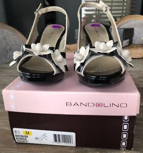 Bandolino off white black Patent Platform heels 8.5 M