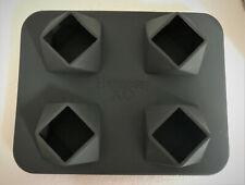 Hennessy X.O.Silikon Eiswürfelform XXL Eiswürfel Karo-Quadrat Riesenwürfel