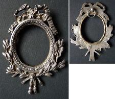 Petit cadre en bronze argenté pour peinture miniature 19e siècle