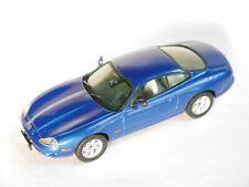 Jaguar XK 8 xk8 Coupe in antigua blau blu bleu blue metallic, Vitesse in 1:43!