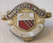 MANCHESTER UNITED Vintage Club crest type badge Brooch pin in gilt 19mm x 20mm