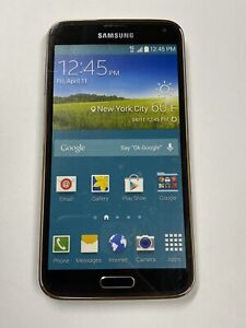 Non-Functioning Gold Samsung Galaxy S5 Smartphone toy mock dummy phone