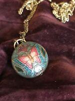 Vintage Round Cloisonne Butterfly Enamel Gold Tone Pendant Necklace.