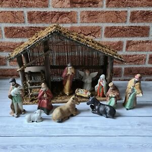 Vintage Wood And Porcelain 11 Figure Nativity Set Complete With Stable
