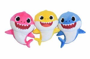 Baby Shark 6 Inch Set - Mommy, Daddy & Baby Shark Plush Toy Figures NWT