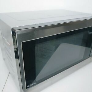 Panasonic 1.2 cu ft Stainless Steel Microwave Oven Inverter Technology NN-SA651S