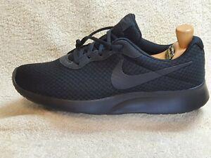 Nike Tanjun mens trainers NEW Triple Black UK 9 EUR 44 US 10